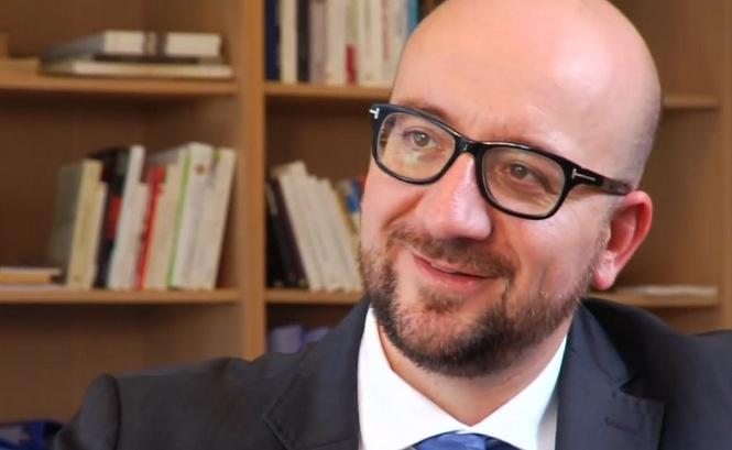 Un ministre belge remet en place des clandestins irakiens qui exigent la lune