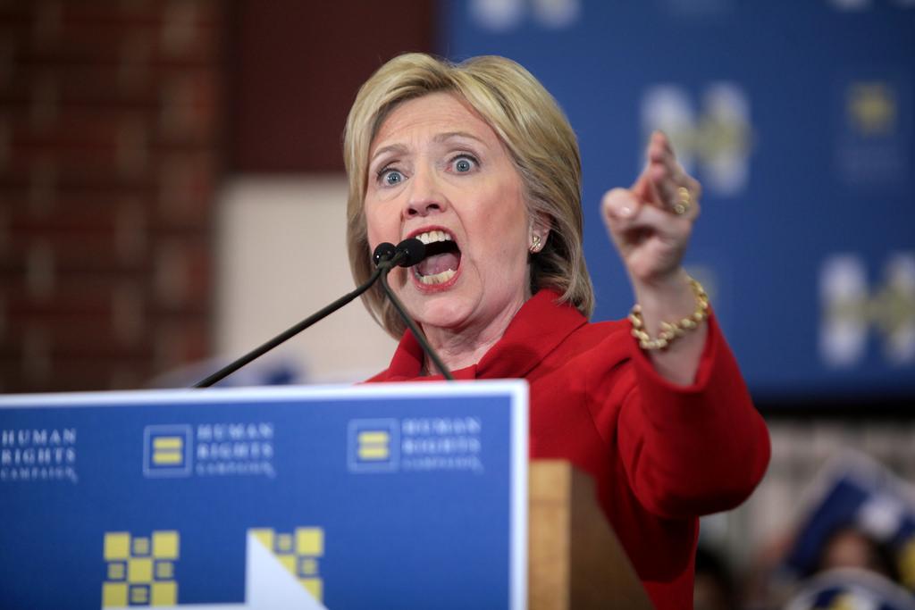 """Hillary Clinton estime qu'un """"agresseur sexuel"""" (sic) occupe actuellement la Maison Blanche"""
