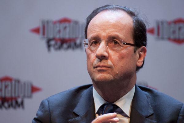 """Après le """"mariage"""" homo, les """"opérations homo"""" de François Hollande"""