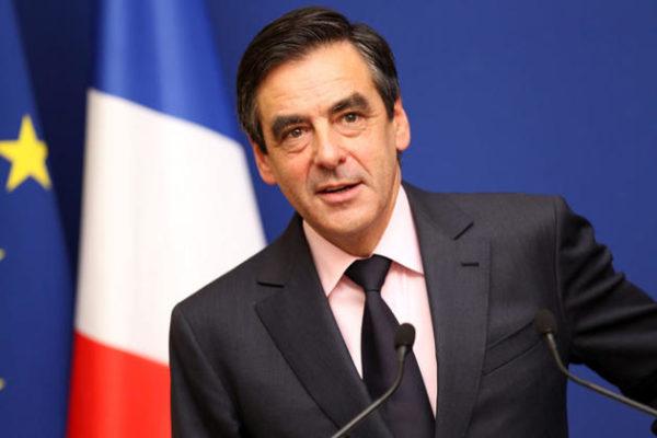 """Eric Brunet : """"François Fillon est en train de devenir un candidat anti-système"""""""