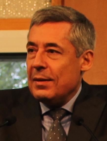 """Législatives : Henri Guaino, largement battu à Paris, arrête la vie politique et dénonce un électorat """"à vomir"""""""