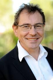 Le vice-président du MoDem surpris en train de se masturber devant des enfants au Castorama de Vélizy...