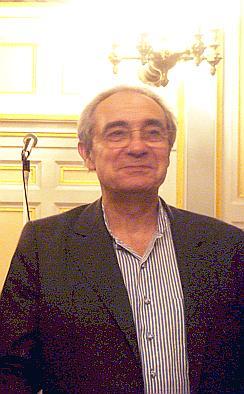 """Bernard Debré et un professeur de français trouvent """"l'écriture inclusive"""" absurde"""