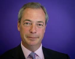 Angleterre : Nigel Farrage en campagne pour un « vrai Brexit »