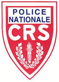 Complotisme des associations pro-clandestins : les CRS auraient l'habitude de leur voler une chaussure !