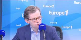 Guillaume Larrivé : encore plus cireur de pompes du pouvoir que Manuel Valls