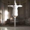 Belgique : une vache crucifiée dans une église