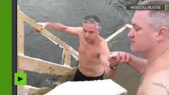 Dans le sillage de Poutine, l'ambassadeur des États-Unis en Russie se plonge dans une rivière