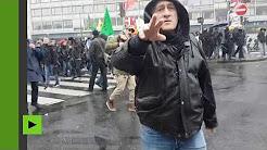 A Paris, des manifestants d'extrême gauche s'en prennent à des journalistes
