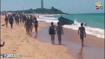 Espagne : des clandestins débarquent sur une plage de touristes