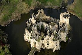 Découverte : le château aux 27 000 copropriétaires