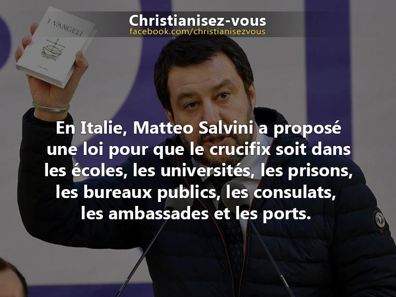 Le retour de la croix dans les bâtiments publics en Italie, Applauso Matteo !