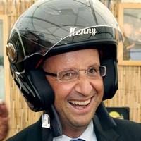 Les quatre signes qu'Hollande revient en politique