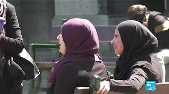 Danemark : gauchistes et islamistes manifestent contre l'interdiction du voile intégral