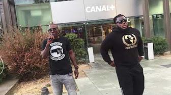 Deux extrémistes noirs manifestent devant Canal + suite à la polémique sur le nom de Hapsatou Sy