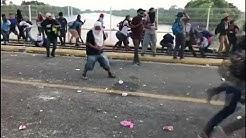 Caravane des envahisseurs : clash à la frontière entre le Guatemala et le Mexique