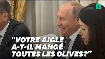 Vladimir Poutine raille l'emblème des États-Unis devant John Bolton et éclate de rire