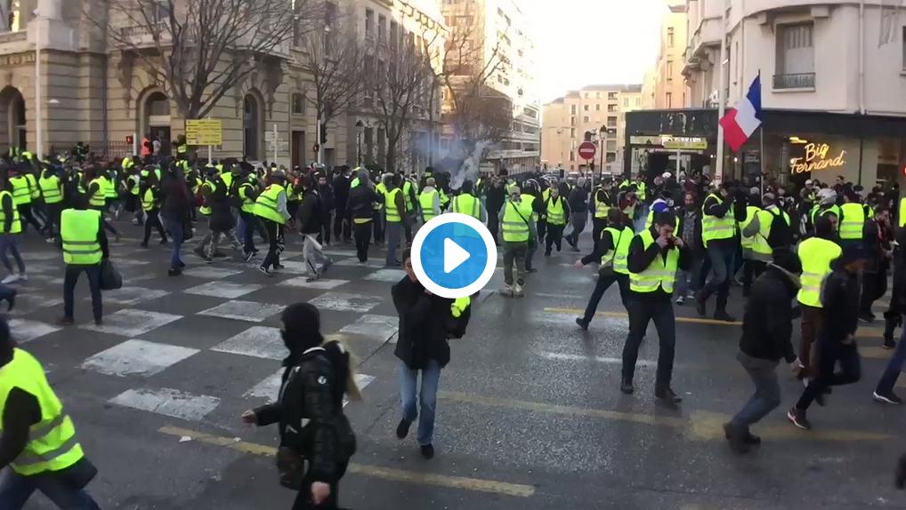 Toulon : Affrontements entre Gilets Jaunes et policiers (VIDÉO)