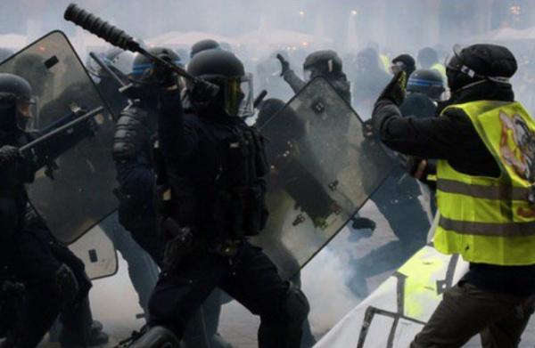 Jamais la répression policière n'avait atteint un tel niveau de violence