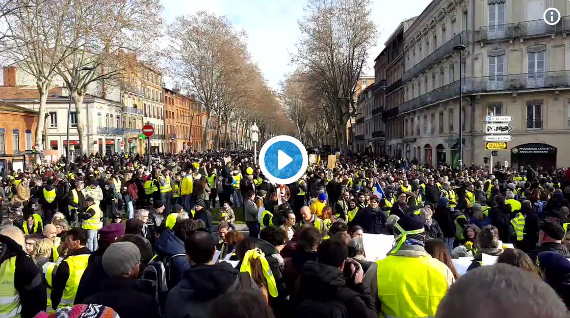 Toulouse : 4 500 manifestants réclament le RIC et la démission d'Emmanuel Macron (VIDÉO)