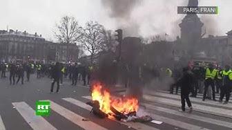 Tensions et violences entre policiers et Gilets Jaunes place de la République (VIDÉOS)