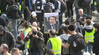 Gilets Jaunes : pas de casse à Paris, heurts en province (VIDÉO)