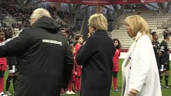 Les images de Brigitte Macron sifflée et huée (VIDÉO)