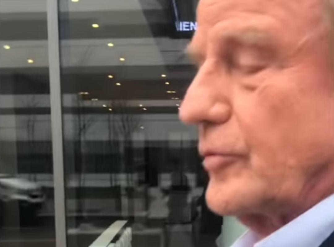Bernard Kouchner ne veut pas dire s'il a déjà accueilli des immigrés dans son grand appartement parisien (VIDÉO)