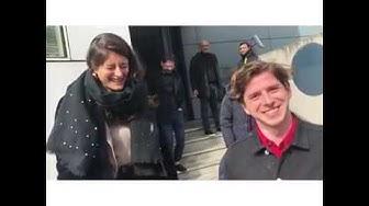 """Le journaliste Gilet Jaune attrape les journalistes du """"Monde"""" à la sortie de leurs locaux (VIDÉO)"""