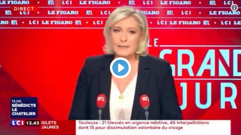 """Marine Le Pen : """"Les migrants, c'est comme les éoliennes…"""" (VIDÉO)"""
