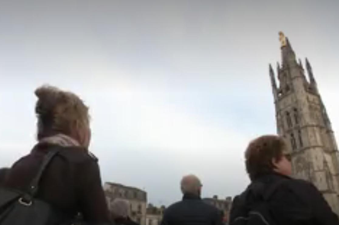 À 18h50 ce mercredi, les cloches des cathédrales et basiliques de France ont sonné pour rendre hommage à Notre-Dame de Paris (VIDÉO)