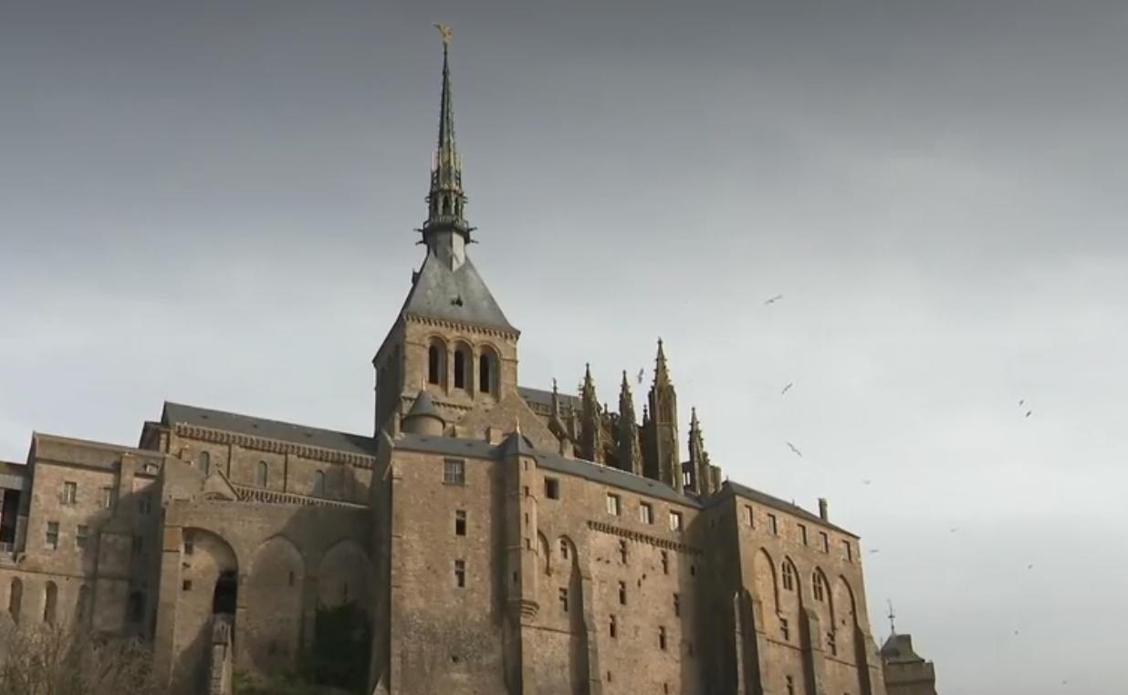 Manche : la protection anti-incendie complexe de l'abbaye du Mont-Saint-Michel