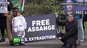 Les partisans de Julian Assange protestent devant la prison de Belmarsh où il est détenu (VIDÉO)
