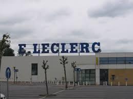 Rhône : les petits commerçants se lèvent contre un centre commercial