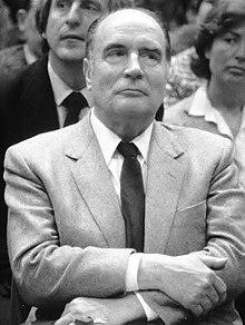 Vingt anciens ministres de Mitterrand défendent sa mémoire contre Raphaël Glucksmann. Et ils ont raison!