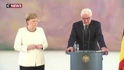 Angela Merkel, une nouvelle fois victime de tremblements (VIDÉO)