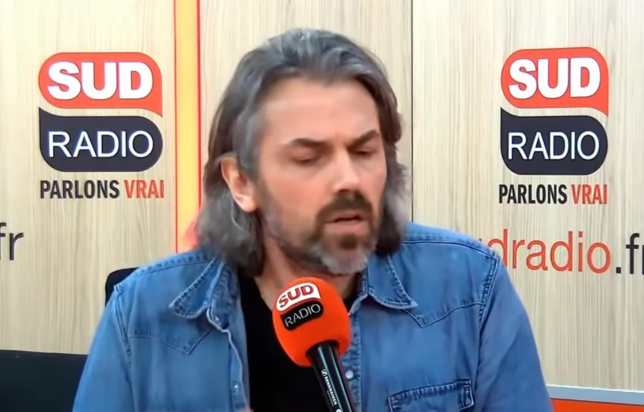 Quand Aymeric Caron fait preuve d'un sectarisme inouï face à un auditeur sur Sud Radio (VIDÉO)