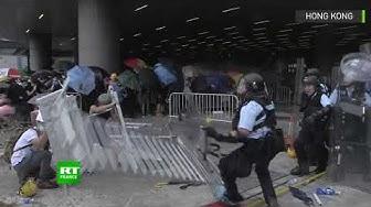 Hong Kong : la police communiste prend cher (VIDÉO)