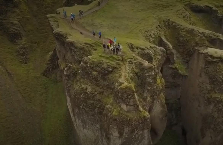 Tourisme de masse : l'Islande, victime de son succès (VIDÉO)