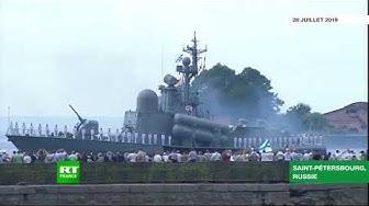 Les meilleures images du défilé naval à Saint-Pétersbourg (VIDÉO)