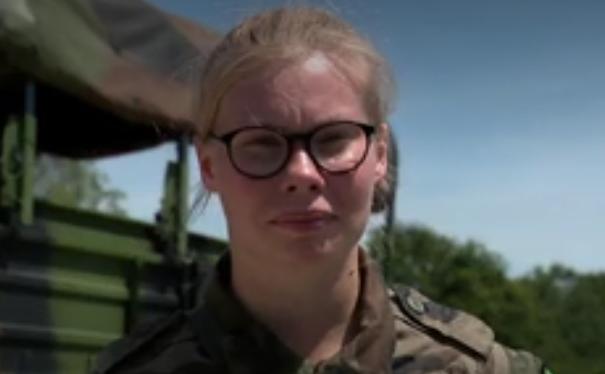 14-Juillet : pourquoi les jeunes s'engagent dans l'armée ?