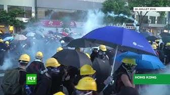 Hong Kong: des feux d'artifice ont été tirés vers des manifestants (VIDÉO)