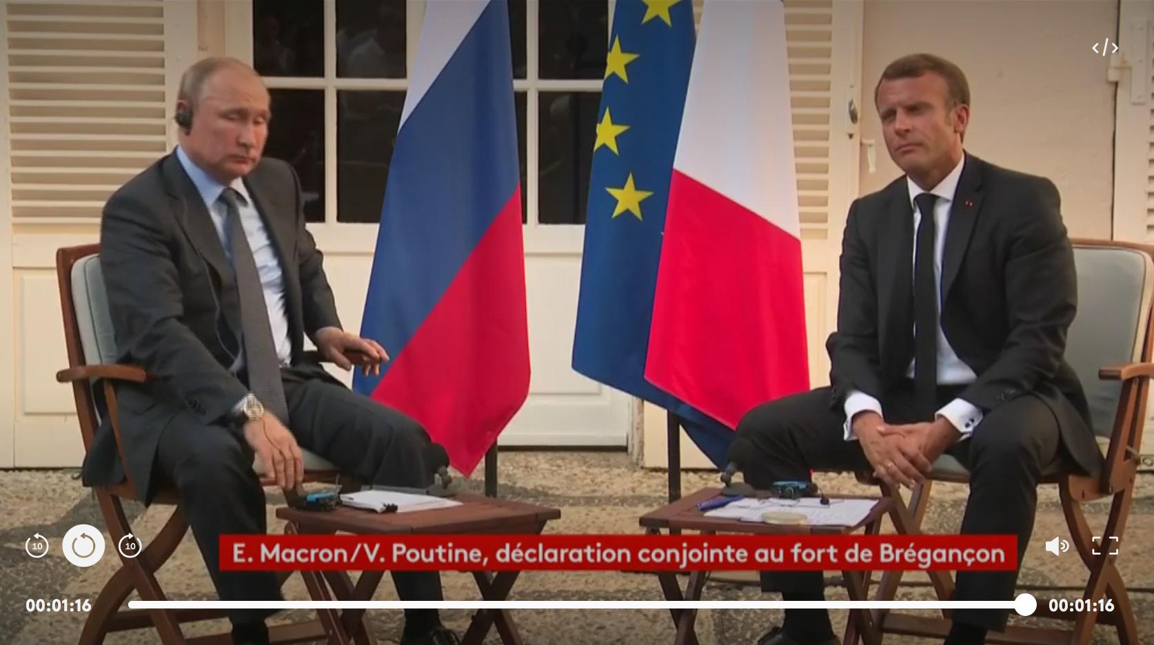 """Manifestations à Moscou : devant Macron, Poutine dit ne pas vouloir """"d'une situation telle que celle des gilets jaunes"""" (VIDÉO)"""