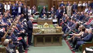 Boris Johnson, le parlement… et Paris