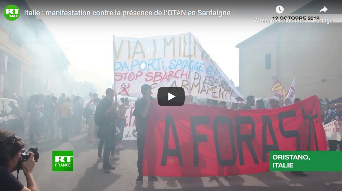 Italie : manifestation contre la présence de l'OTAN en Sardaigne (VIDÉO)