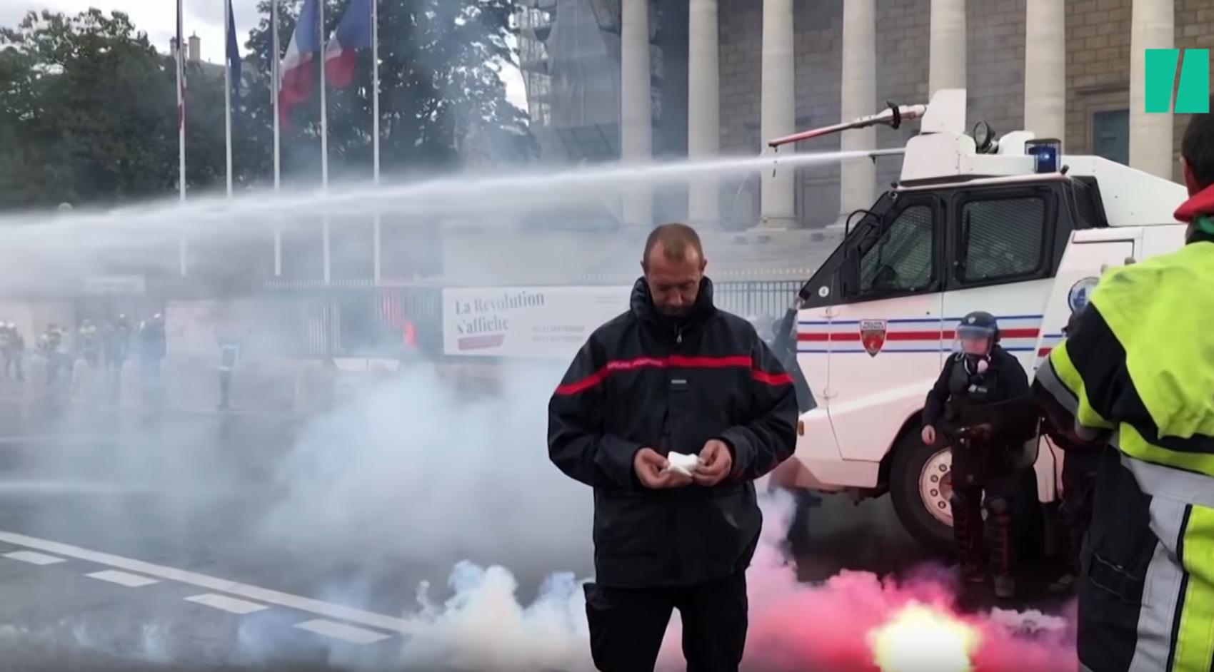 Pompiers : les professionnels de l'urgence à bout de patience (VIDÉO)