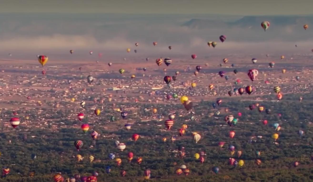 États-Unis : le plus grand festival de montgolfières de la planète (VIDÉO)