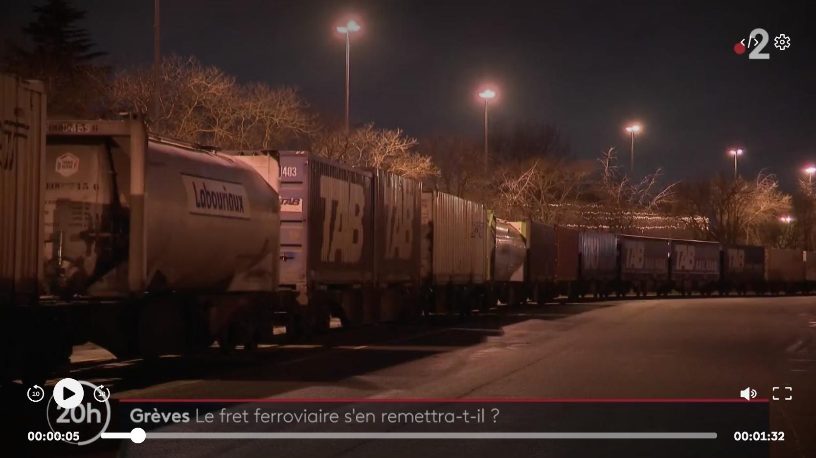 La filiale fret de la SNCF perd 1 million d'euros par jour de grève