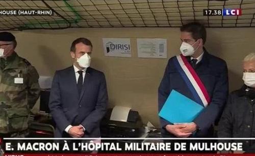 Emmanuel Macron ne sort plus sans son masque FFP2 (paraît-il inutile)