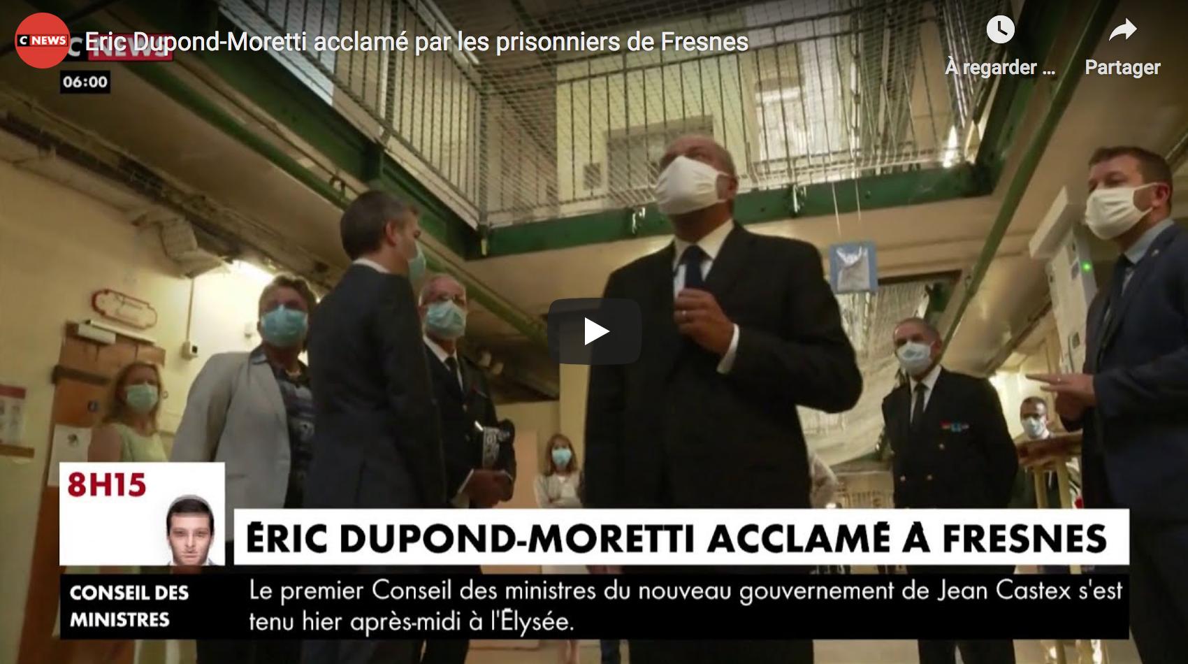 Éric Dupond-Moretti acclamé par les prisonniers de Fresnes (VIDÉO)